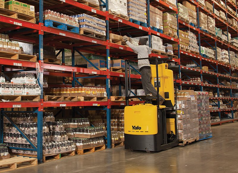 Order picker lift offers easy access to second level storage locations by Yale